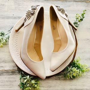 Bride rhinestone heels sz 8
